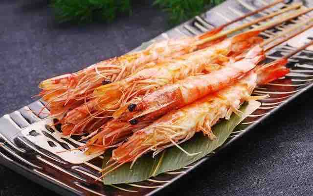 Grilled whole shrimp